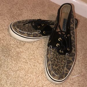 Super cute cheetah print Sperrys size 7 1/2